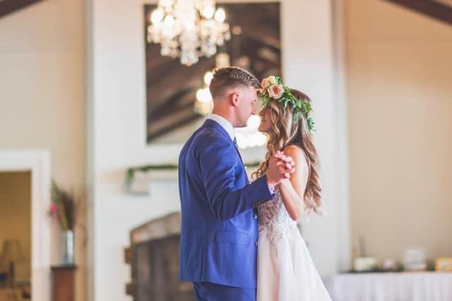 Wedding couple dancing Sydney